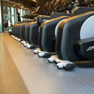 Podłogi do fitnessu czy siłowni. Jaką wybrać?