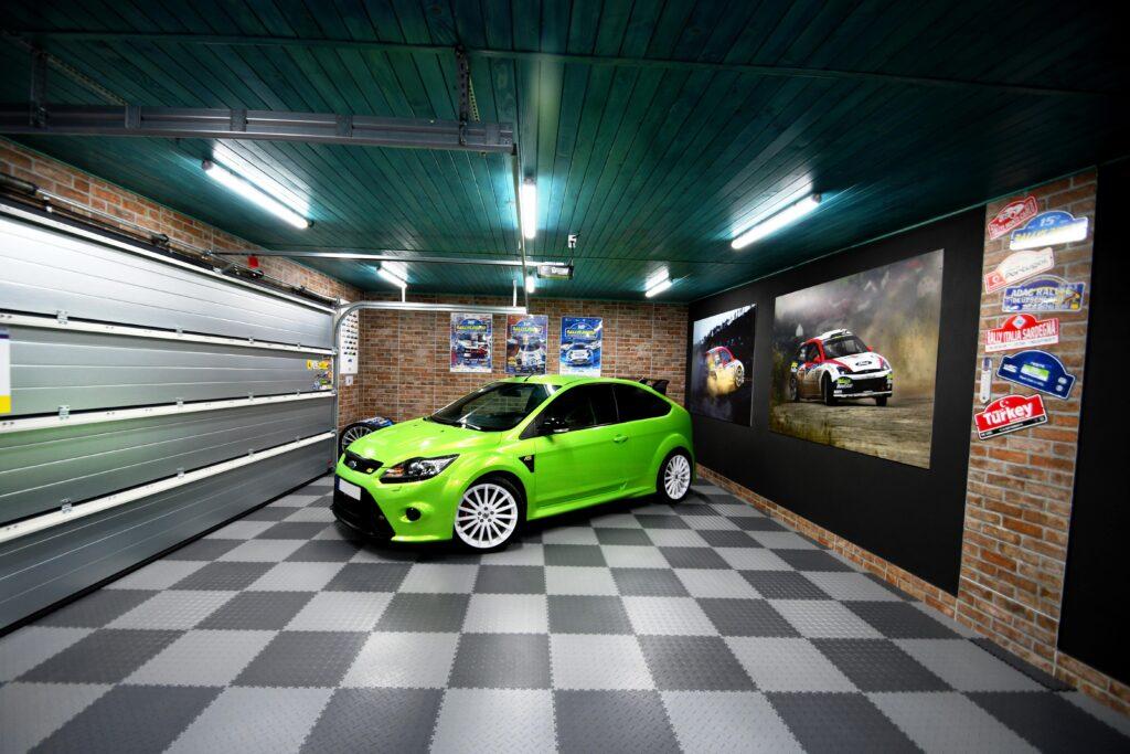 Garaż, Słowacja