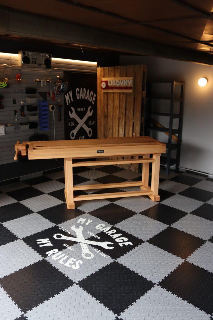 Garaż/warsztat, Czechy